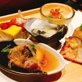 Japanese oyster, Hako-Zushi of the day & Five kinds of Chef's assorted Les petit plats Japanese Oyster served with French Daurenki Caviar