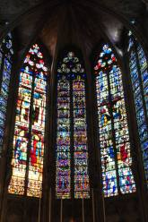 The central stained glass window of the choir from 1280 is one of the oldest ones in the south of France.