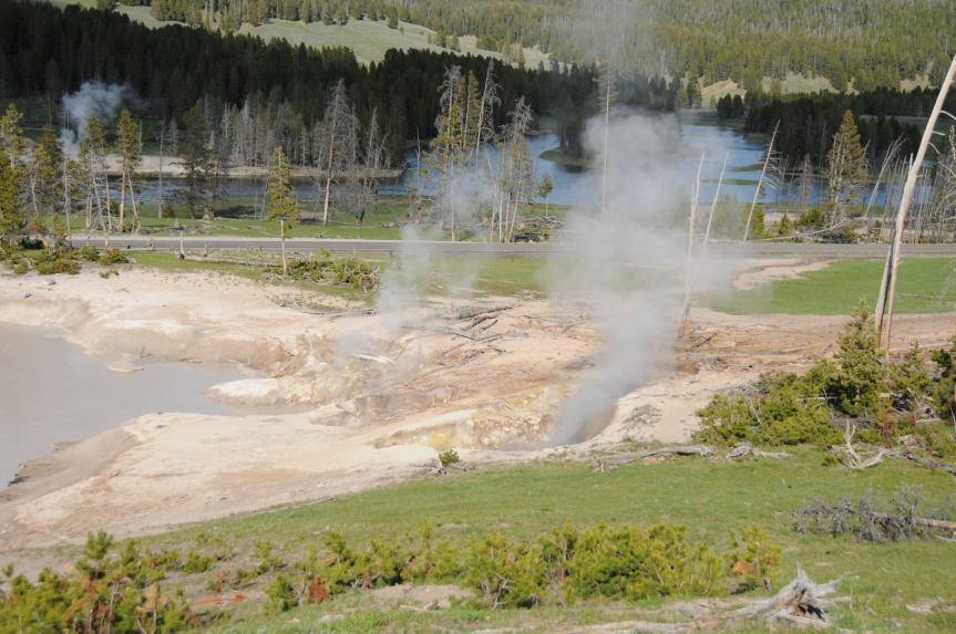 Yellowstone National Park – MudVolcano